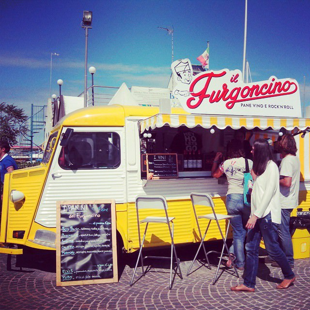 Back in the 70s street food #igersitalia #igersfano #streetfood #foodies #foodstuff  #saturday #fano #like #follow4follow #tagsforlike