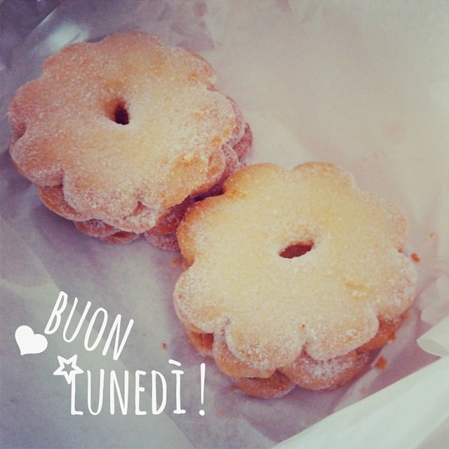 Buon giorno! It 's Monday again lets begin with some #cookies #mondaymotivation #mondaymood #canestrelli #igersliguria #life #goodmorning #breakfast #happy #gooluck